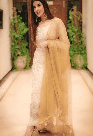 white-shalwar-kameez-9 30 Ideas On How To Wear White Shalwar Kameez For Women
