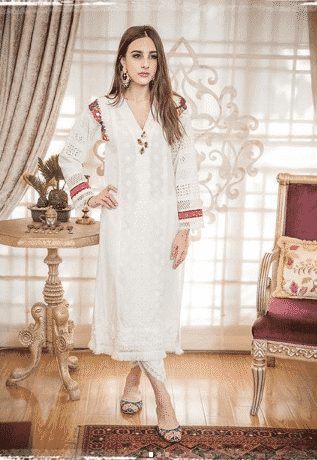 white-shalwar-kameez-outfits 30 Ideas On How To Wear White Shalwar Kameez For Women
